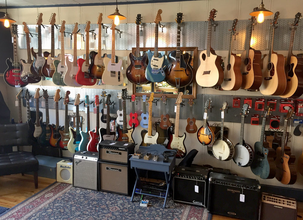 Electric guitars, acoustic guitars, acoustic amps, amplifiers, guitar accessories, and pedals at Collar City Guitars