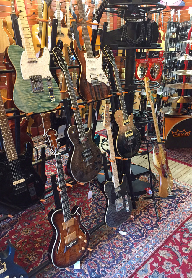 Michael Kelly 1950s, 1960s, Patriot, and Hybrid electric-acoustic guitars at HD Custom Guitar supply