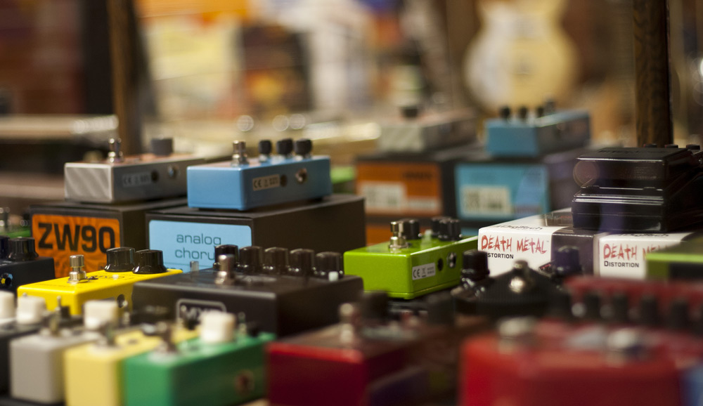 Electric guitar pedals and effects pedals