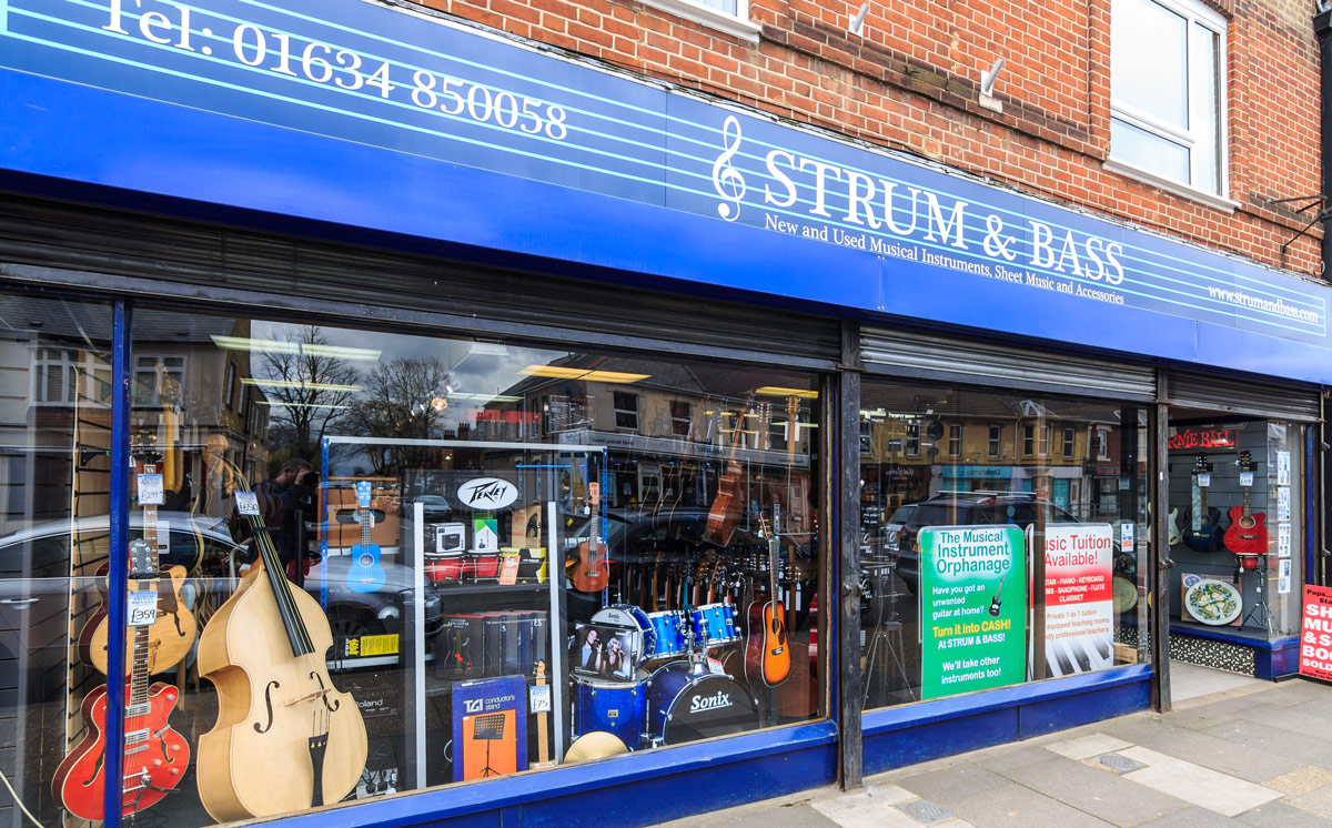 Strum & Bass guitar store